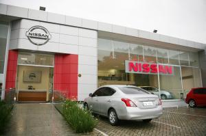 nissan-fachada